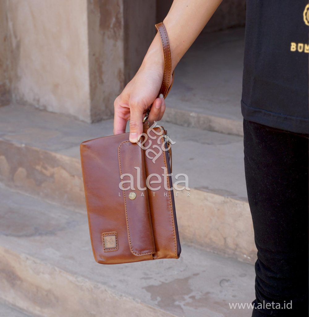 Clutch Bag, sumber : aleta.id