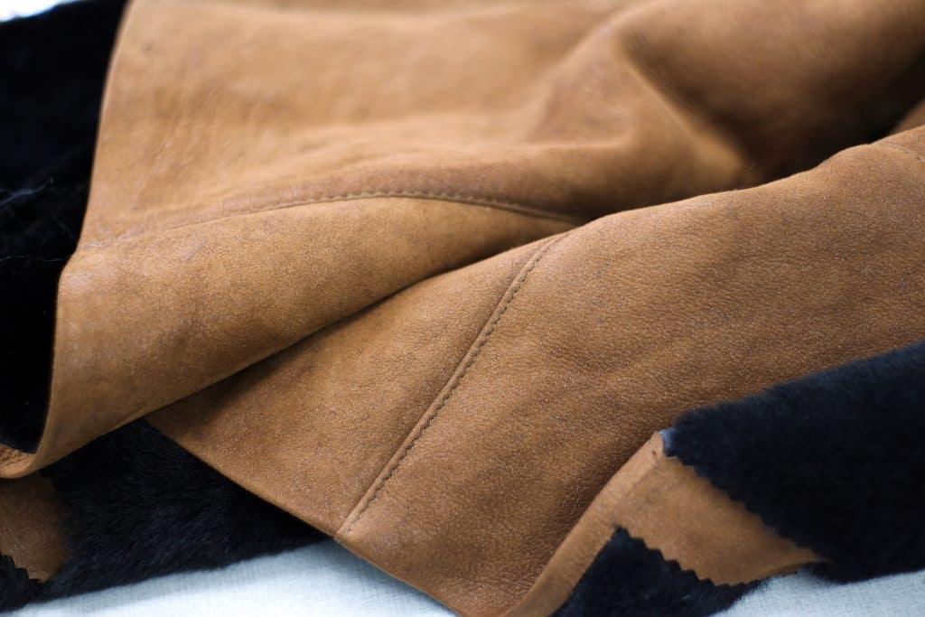 Nubuck Leather, sumber : Liberty Leather Goods