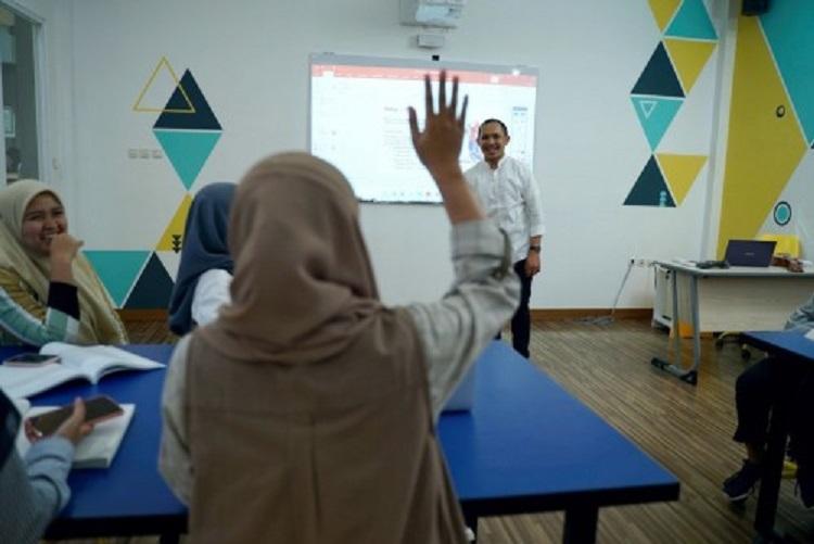 Aktif di dalam kelas, Sumber : pmb.fmipauniga.ac.id